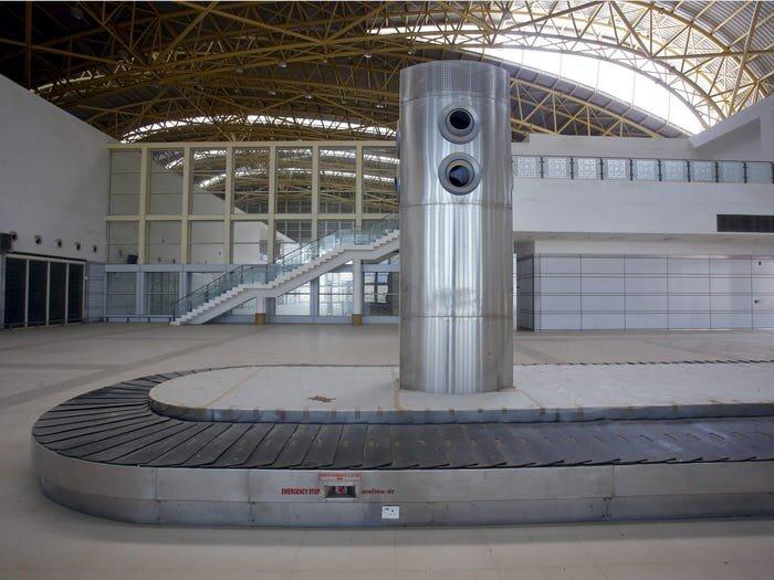 Cận cảnh loạt sân bay bỏ hoang trên thế giới