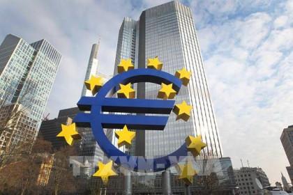 EC hạ dự báo tăng trưởng kinh tế của Eurozone xuống 3,8%