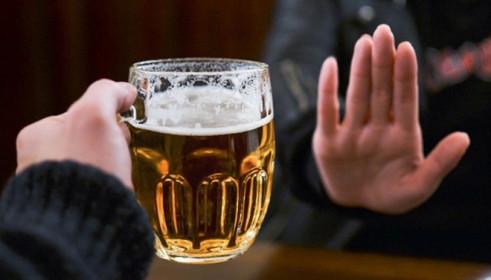 Trước khi uống rượu bia ngày Tết, người dân cần biết thông tin này