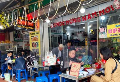 Hà Nội: Dịch vụ ăn uống tăng giá đầu năm mới
