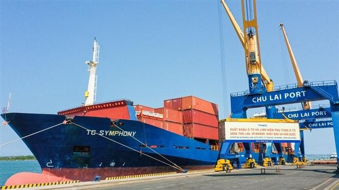 THACO xuất khẩu hơn 200 ô tô và linh kiện phụ tùng trong ngày ra quân đầu năm