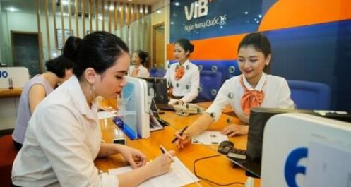 Người nhà lãnh đạo VIB mạnh tay mua vào cổ phiếu