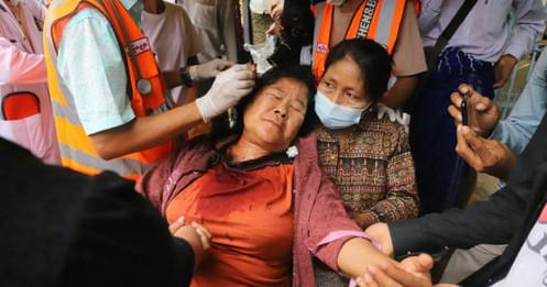 Facebook mạnh tay xóa trang của quân đội Myanmar, nhiều nước lên án bạo lực