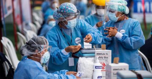 """Bê bối """"vắc xin VIP"""" rúng động Nam Mỹ giữa dịch Covid-19"""