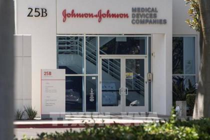 Mỹ: Khuyến nghị tiêm vaccine ngừa COVID-19 của Johnson & Johnson cho người từ 18 tuổi