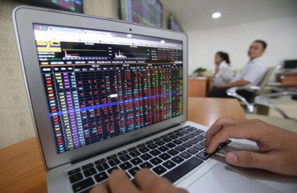 VN-Index 'lao dốc' 1,55%, HNX-Index vẫn lầm lũi đi lên