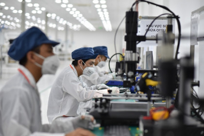 """Thúc đẩy sản xuất, xuất khẩu linh kiện điện tử """"Made in Vietnam"""""""