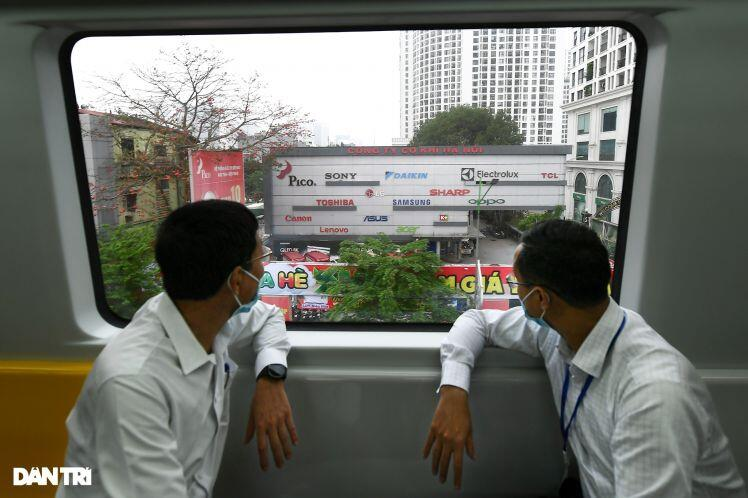 Toàn cảnh đường sắt Cát Linh - Hà Đông trong ngày chuyển giao đầu tiên
