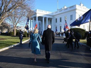 Chưa hết tuần trăng mật, thị trường tài chính đã thở phào với Tổng thống Biden