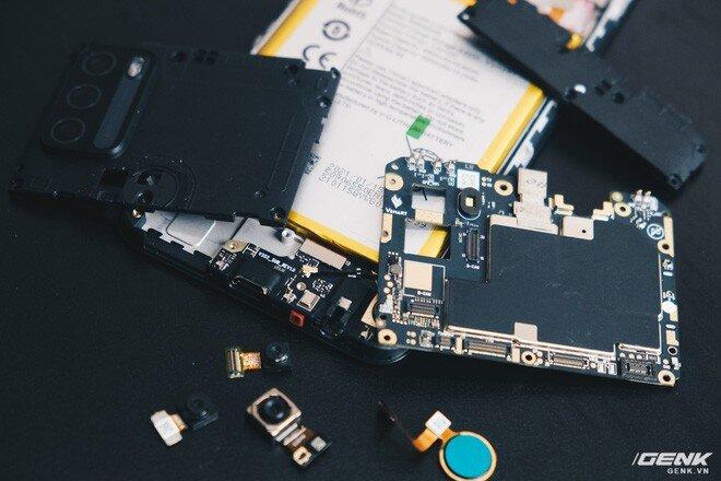 Có gì bên trong smartphone giá 2.69 triệu của VinSmart?