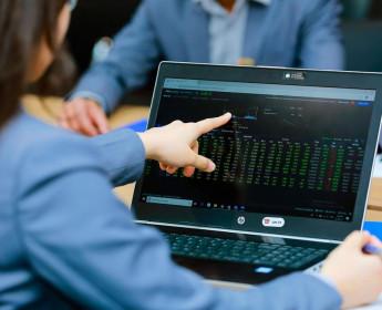 Thông tin lợi nhuận quý I nâng đỡ thị trường chứng khoán