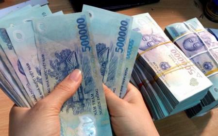 """Lãi suất tiết kiệm cao nhất tháng 4/2021: Bỏ lại Vietcombank, VPBank không còn """"bét bảng"""""""
