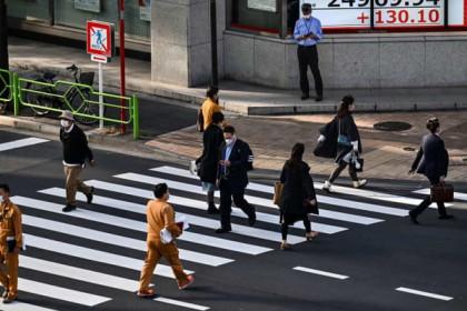 IMF điều chỉnh dự báo kinh tế thế giới, chứng khoán châu Á tăng