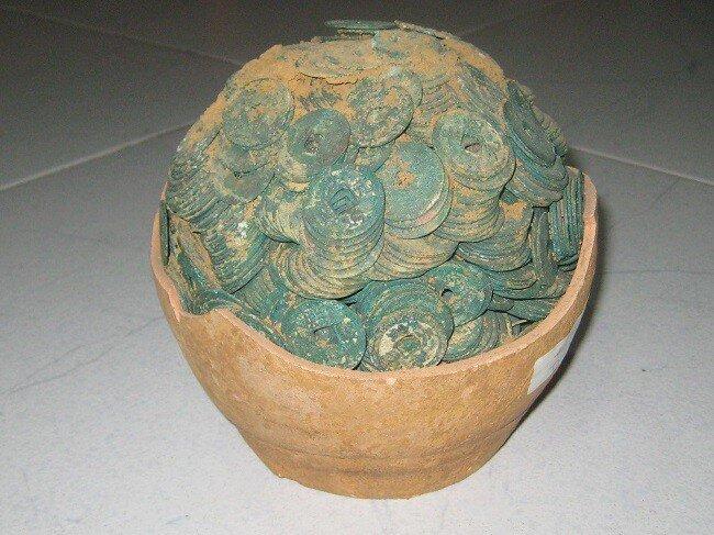 Khám phá bộ sưu tập tiền cổ của đại gia Sài Gòn