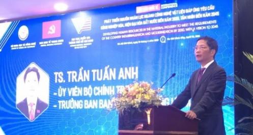 Ban Kinh tế Trung ương bàn về nhân lực ngành công nghiệp vật liệu
