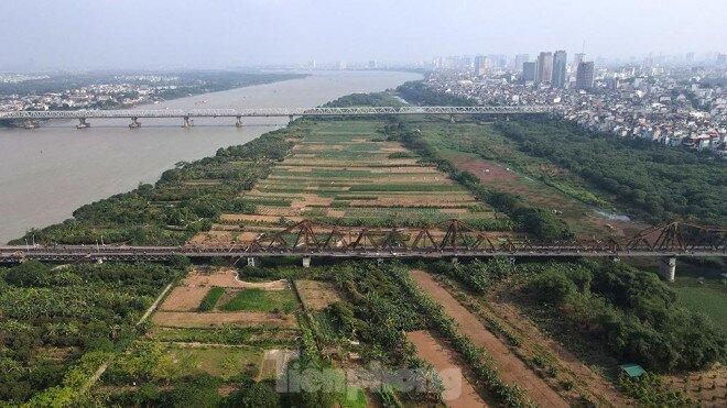 """Cận cảnh những lô đất """"đắc địa"""" nằm trong quy hoạch sông Hồng"""