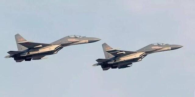 25 máy bay quân sự Trung Quốc áp sát Đài Loan