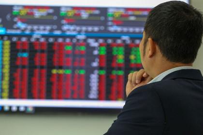 VN-Index tăng hơn 6 điểm