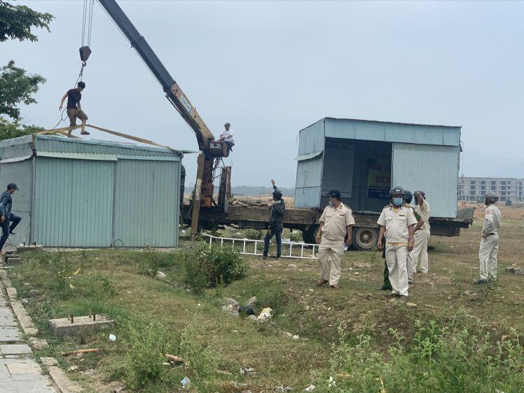 Đà Nẵng 'dẹp loạn' bất động sản: Phá dỡ ki ốt giao dịch trái phép