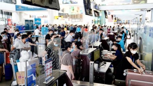 Khách đến sân bay Nội Bài dịp 30/4 dự kiến đông kỷ lục