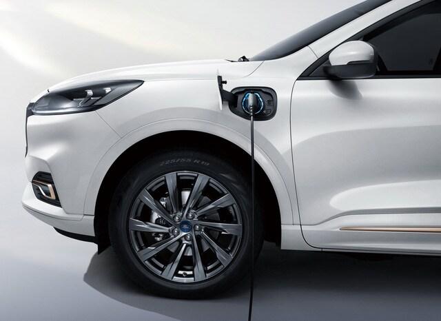 Ford ra mắt mẫu SUV 7 chỗ mới Evos