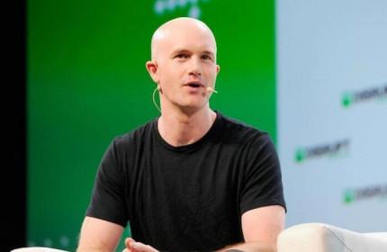CEO Coinbase bán 291,8 triệu USD cổ phiếu trong phiên giao dịch đầu tiên