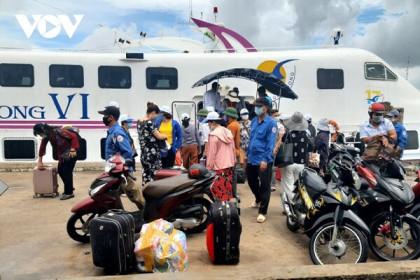 Kiên Giang kích hoạt các khu cách ly tập trung khi người Việt nhập cảnh về ồ ạt