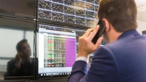 Khối ngoại mua ròng trở lại 352 tỷ đồng trong phiên 23/4, gom mạnh VIC, VNM và VCB