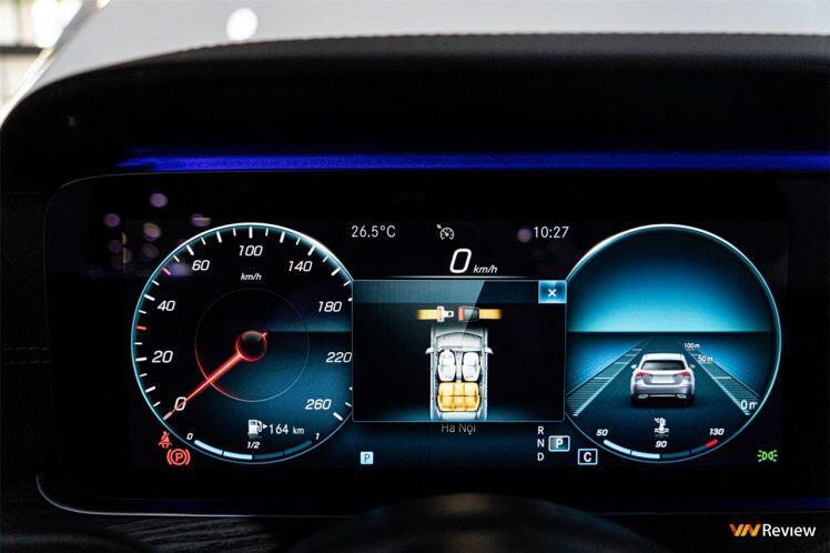 Cận cảnh Mercedes-Benz E 300 AMG: diện mạo mới, giá gần 3 tỷ đồng