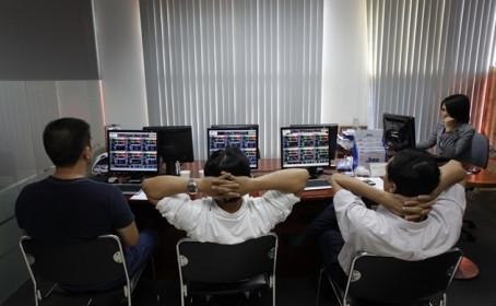 Sau phiên giảm hơn 40 điểm, nhà đầu tư nên làm gì?