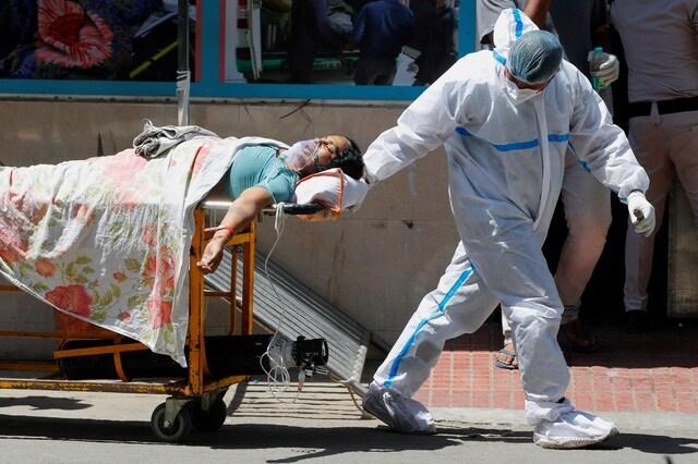 """Ấn Độ """"xô đổ"""" kỷ lục thế giới, số người chết tăng 89% trong 1 tuần"""
