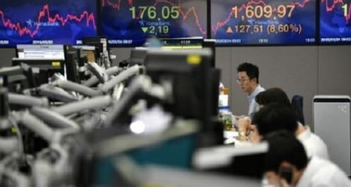 Fed neo lãi suất ngắn hạn gần về 0, chứng khoán châu Á tăng điểm