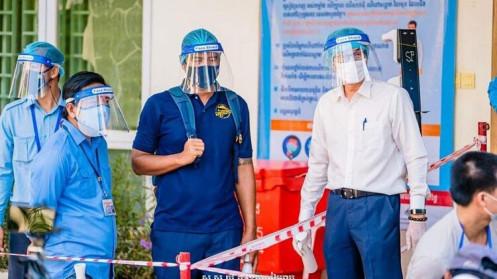 Covid-19 ở Campuchia: Gần 900 ca mắc trong một ngày, đẩy mạnh chiến dịch tiêm vaccine