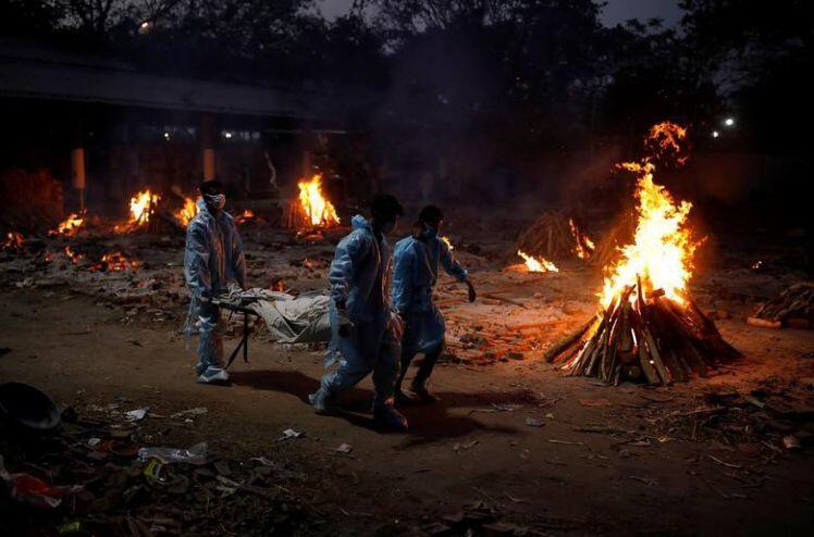 Dịch COVID-19 hoành hành Ấn Độ: Những con số gây sốc