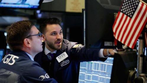 Thị trường lao động phục hồi, chứng khoán Mỹ tăng điểm lên mức cao kỷ lục