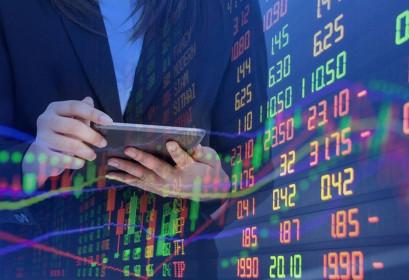 Lực bán tăng cao, VN-Index mất gần 9 điểm phiên cuối tuần