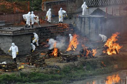 Covid-19: Ngày chết chóc kinh hoàng mới ở Ấn Độ, kỷ lục buồn cho Nepal