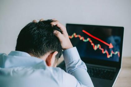 Bóng ma lạm phát đe dọa thị trường chứng khoán toàn cầu