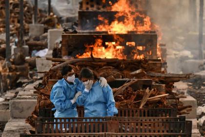 Covid-19: Ấn Độ vẫn có trên 4.000 ca tử vong dù ca nhiễm giảm, Trung Quốc có ca nhiễm cộng đồng