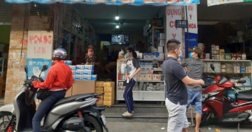 Khẩu trang y tế rục rịch tăng giá, hàng xịn 1,3 - 1,4 triệu đồng/thùng