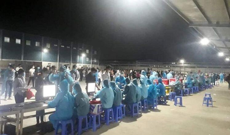 Ở tâm dịch Bắc Giang: Cán bộ y tế ngày làm việc 20 giờ, ngủ 2 tiếng, nghe 200 cuộc điện thoại