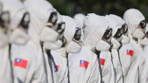 Đài Loan tăng vọt ca nhiễm COVID-19, Malaysia lo thành 'lồng ấp' biến chủng