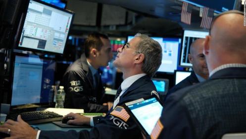 Nhận tín hiệu ngầm từ Fed, giới đầu tư thoát hàng