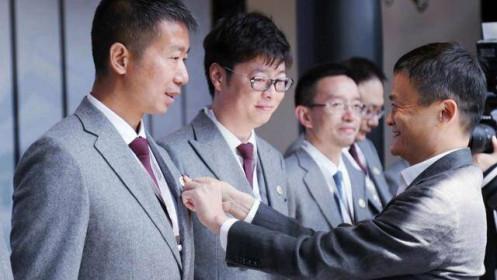 Jack Ma từ chức Chủ tịch học viện kinh doanh do mình sáng lập
