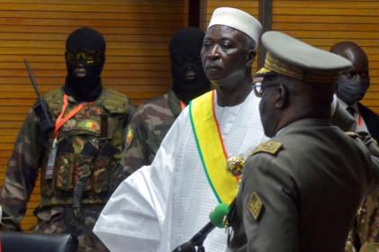 Chính biến ở Mali, quân đội bắt giữ tổng thống, thủ tướng