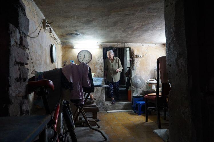 """Cải tạo chung cư cũ: 2 thập kỷ vẫn """"giậm chân"""" tại chỗ, người dân sống trong bất an"""