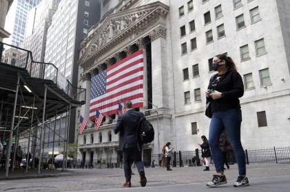 S&P 500 tăng nhẹ khi các cổ phiếu tiếp tục tăng trong phiên mở cửa