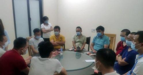 Công an lập biên bản 18 khách Trung Quốc bất chấp lệnh cấm, tụ tập ăn uống ở nhà hàng