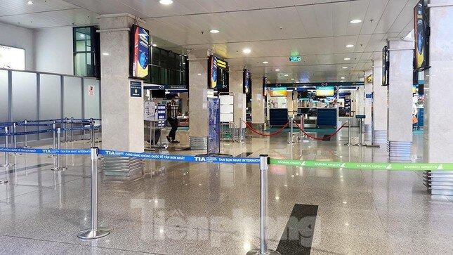 Sân bay Nội Bài, Tân Sơn Nhất vắng tanh sau khi TPHCM thực hiện giãn cách xã hội