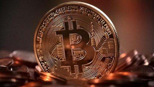 Bitcoin bị áp chế, tiền chảy sang chứng khoán?